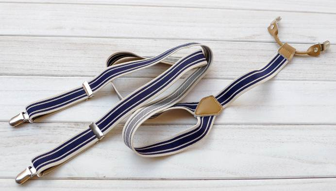 สายรัดกางเกงเอี๊ยมหัวชุบ คลิบ สายยืดหยุ่น กว้าง 2.5cm แบบ Y สีฟ้าขาวทาง